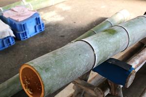 1.竹の節や長さを揃えます